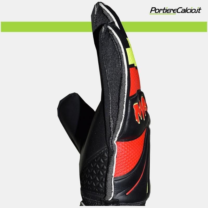 Guanti da portiere Portierecalcio Magma Pro Glove su Portierecalcio.it 256f8ee12980